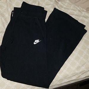 Nike black sweatpants size medium